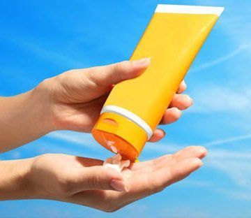 How To Choose A Safe Sunscreen That Actually Works